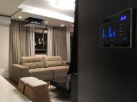 Automação do sistema de áudio e vídeo e painel de iluminação