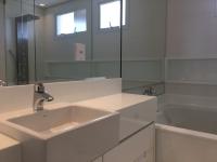 Painéis touch para banheiros